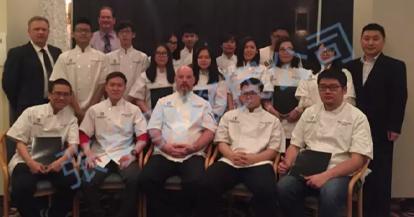 5月9日双喜临门:上一届烘焙班毕业,新一届烘焙班开课